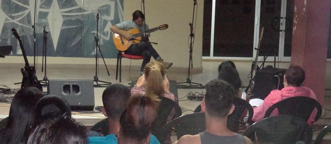 Singulares interpretaciones de solistas y duetos inundaron con su magia el principal recinto cultural de nuestra Universidad