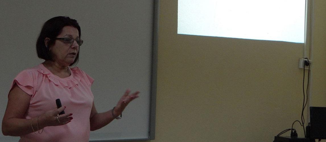 Dra.C. Vivian Estrada Sentí, coordinadora del Programa de doctorado en informática