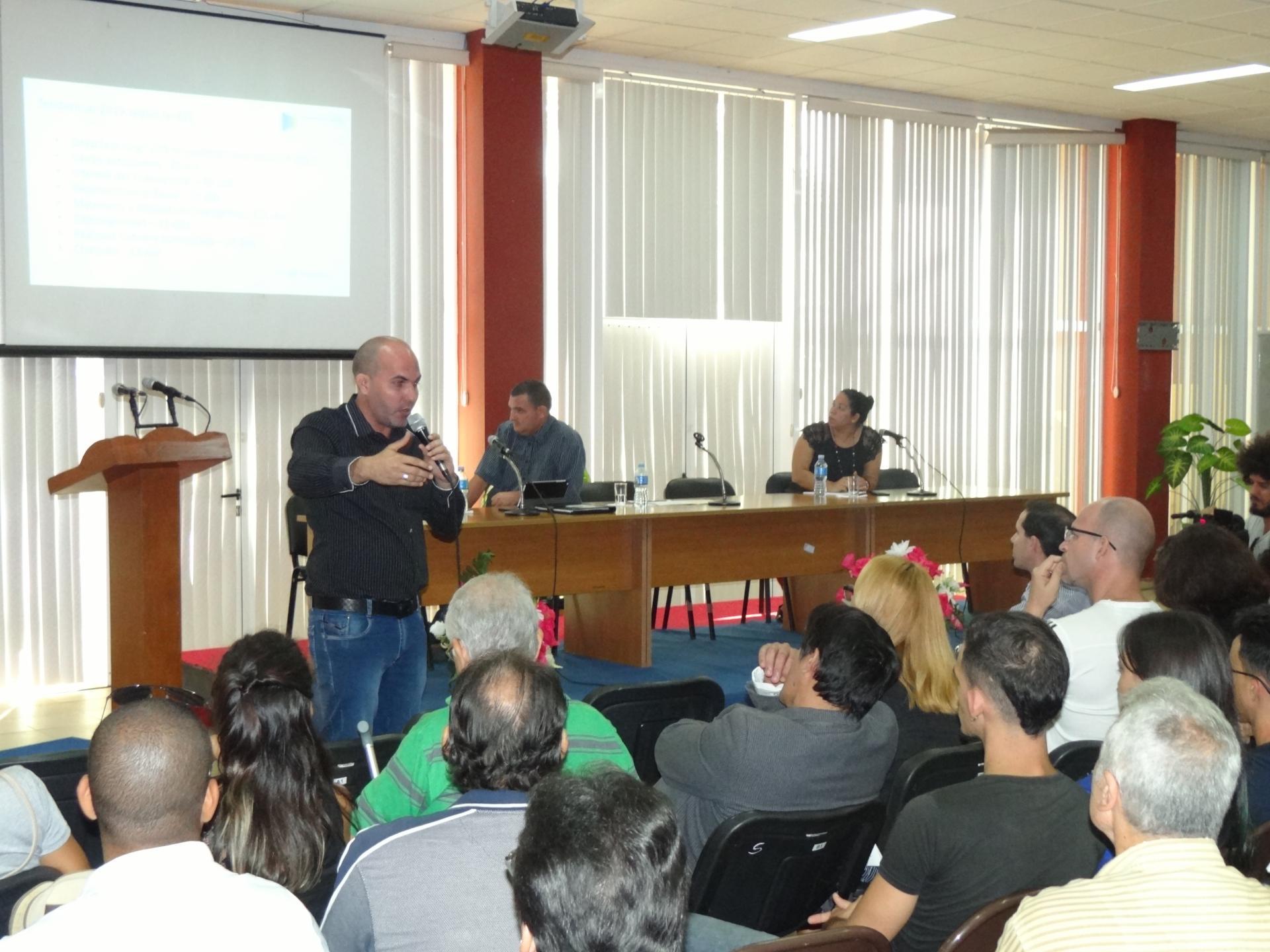 El Dr.C. Omar Correa Madrigal, director de Ciencia, Tecnología e Innovación en la UCI, inaguró la IV Conferencia Cientítica.