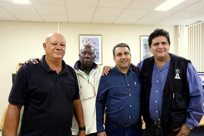 El equipo de Mundo Latino durante su entrevista con el Rector de la Universidad de las Ciencias Informáticas (UCI).