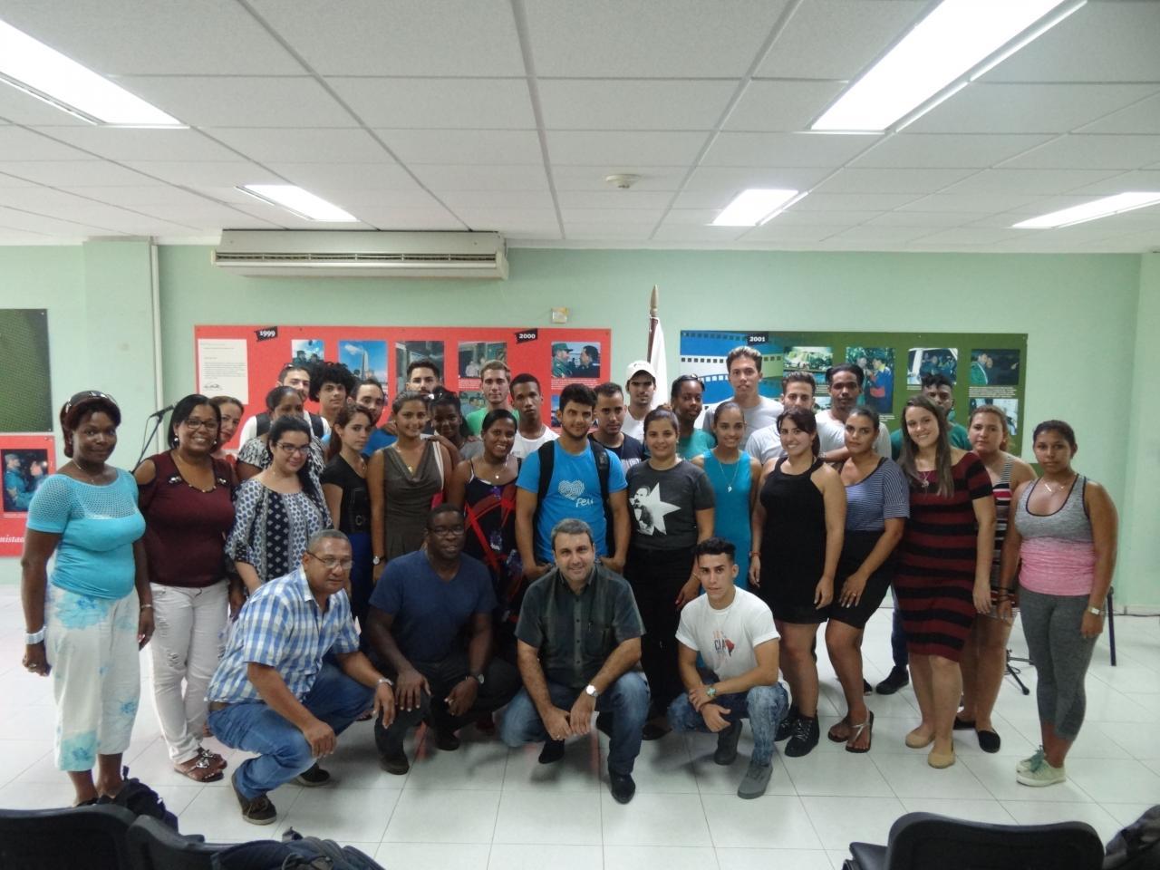 Cincuenta y un jóvenes de la UCI impartirán clases en las secundaria básicas y preuniversitarios del municipio de La Lisa.