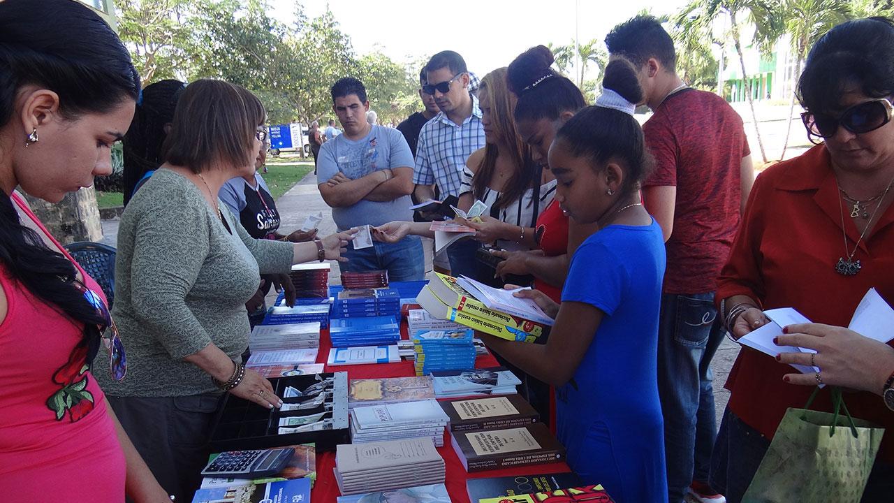 La UCI subsede de la Feria Provincial del Libro en La Habana