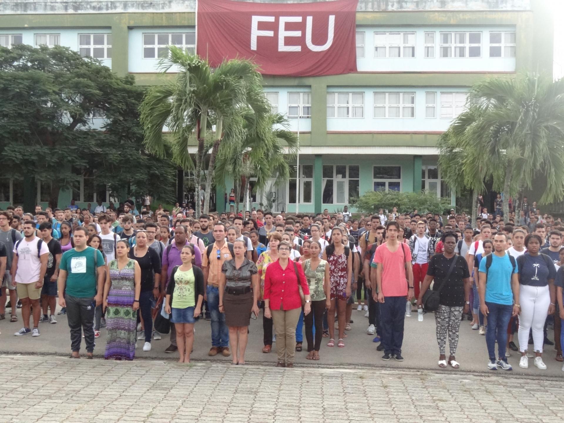 Estudiantes y trabajadores de la UCI recordaron el Día Internacional del Estudiante