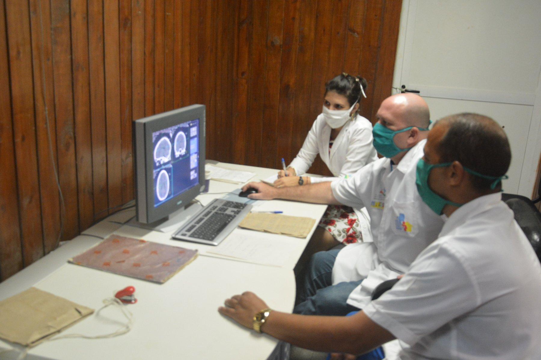 Especialistas de instituciones médicas de Pinar del Río, disponen de imágenes médicas mediante XAVIA PACS