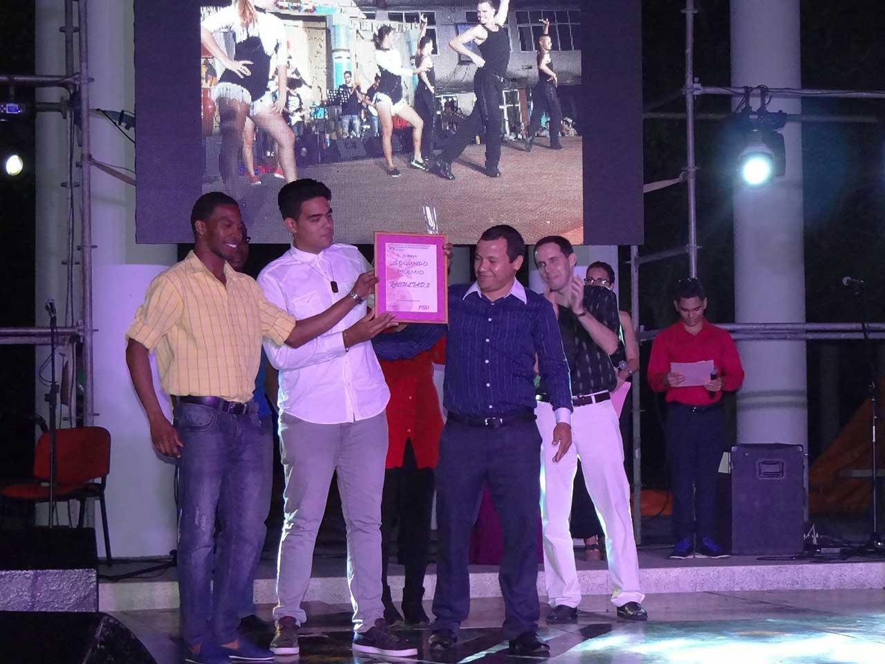 El segundo lugar en el XV Festival de Artistas Aficionados fue para la Facultad 3.