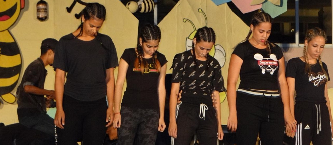 En la velada se hizo un recorrido por varios géneros bailables, como el merengue, kizomba, casino y break dance.