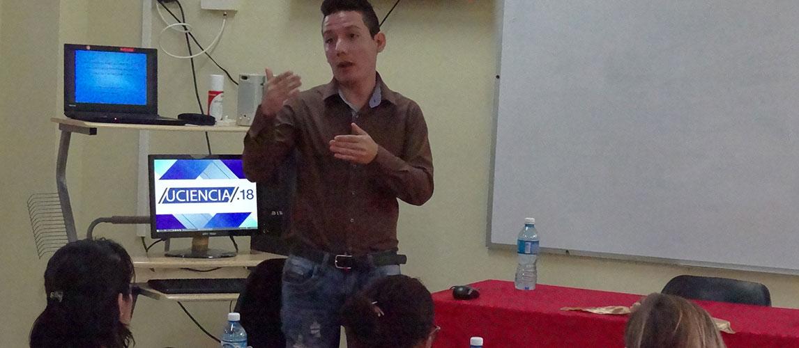 Manuel Enrique Peiso Cruz defiende su investigación para optar por el título de máster en Informática Avanzada
