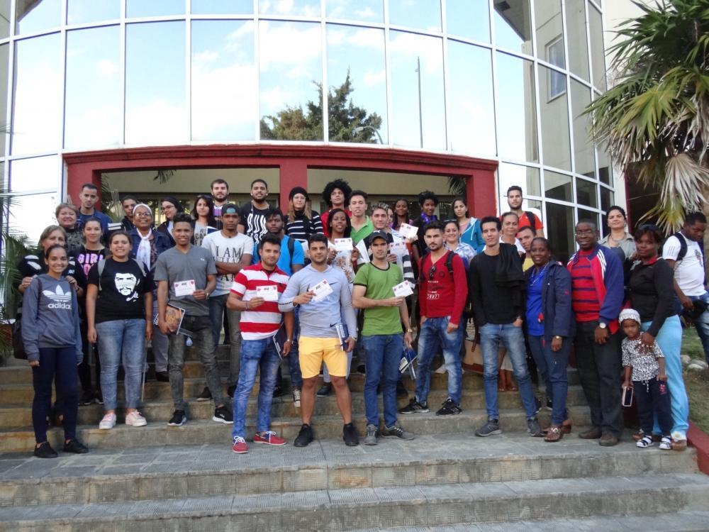 Los estudiantes de nuestra institución que participan en la tarea Educando por Amor se congregaron para repasar el trabajo realizado en los últimos doce meses. Foto: Juan Félix Hernández Rodríguez