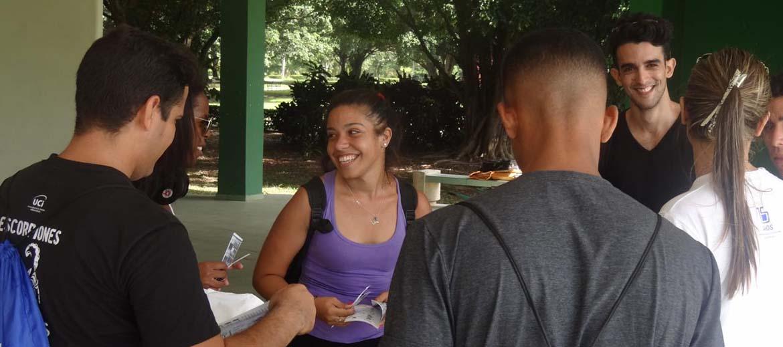 Cargados de alegrías y sueños llegaron los estudiantes que comenzarán a estudiar en la UCI.