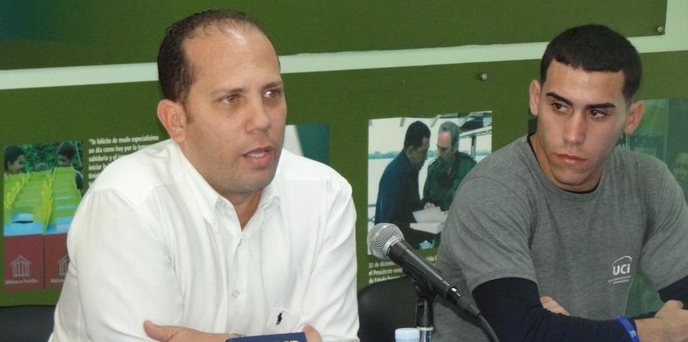 """Rafael González Morales, presentó en la UCI el libro de su autoría """"Trump vs. Cuba. Revelaciones de una nueva era de confrontación"""""""