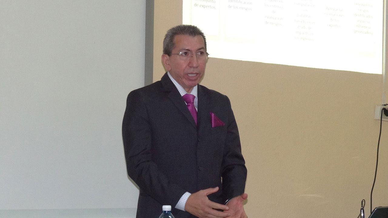 """""""Mi felicitación para todas las personas que conforman esta universidad y en especial a todos aquellos amigos que quedan aquí y que me los llevo siempre en mi corazón"""", expresó el MSc. Gilberto Fernando Castro Aguilar, de Ecuador."""