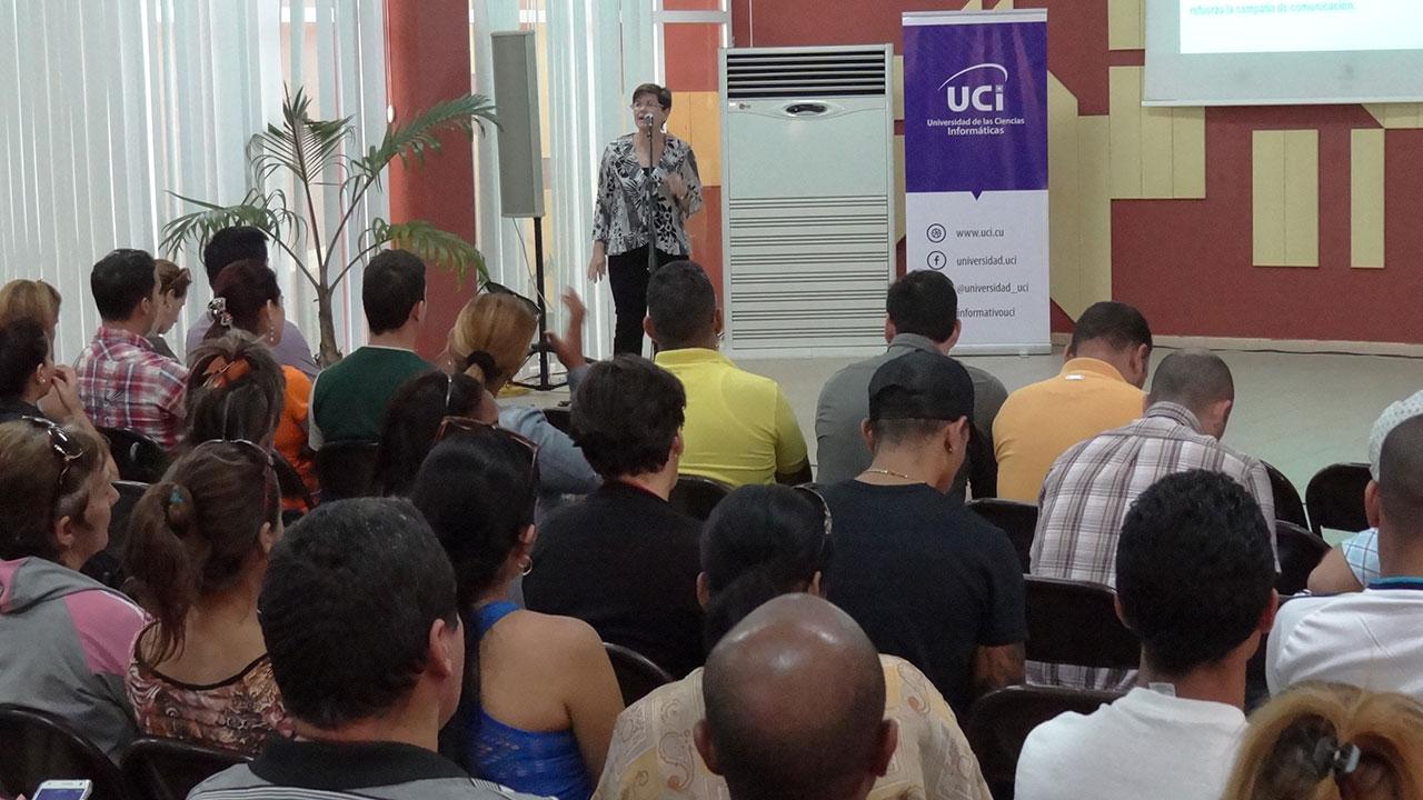 Presenta la UCI campaña por su Aniversario 15