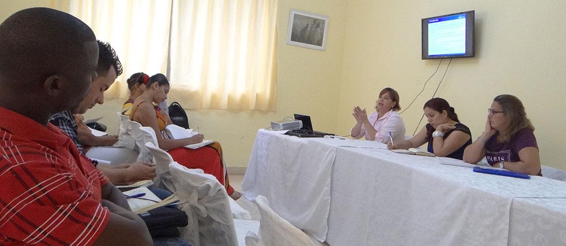 La doctora en ciencias Yaimí Trujillo Casañola expuso el plan de desarrollo para el mejoramiento continuo del programa de la maestría