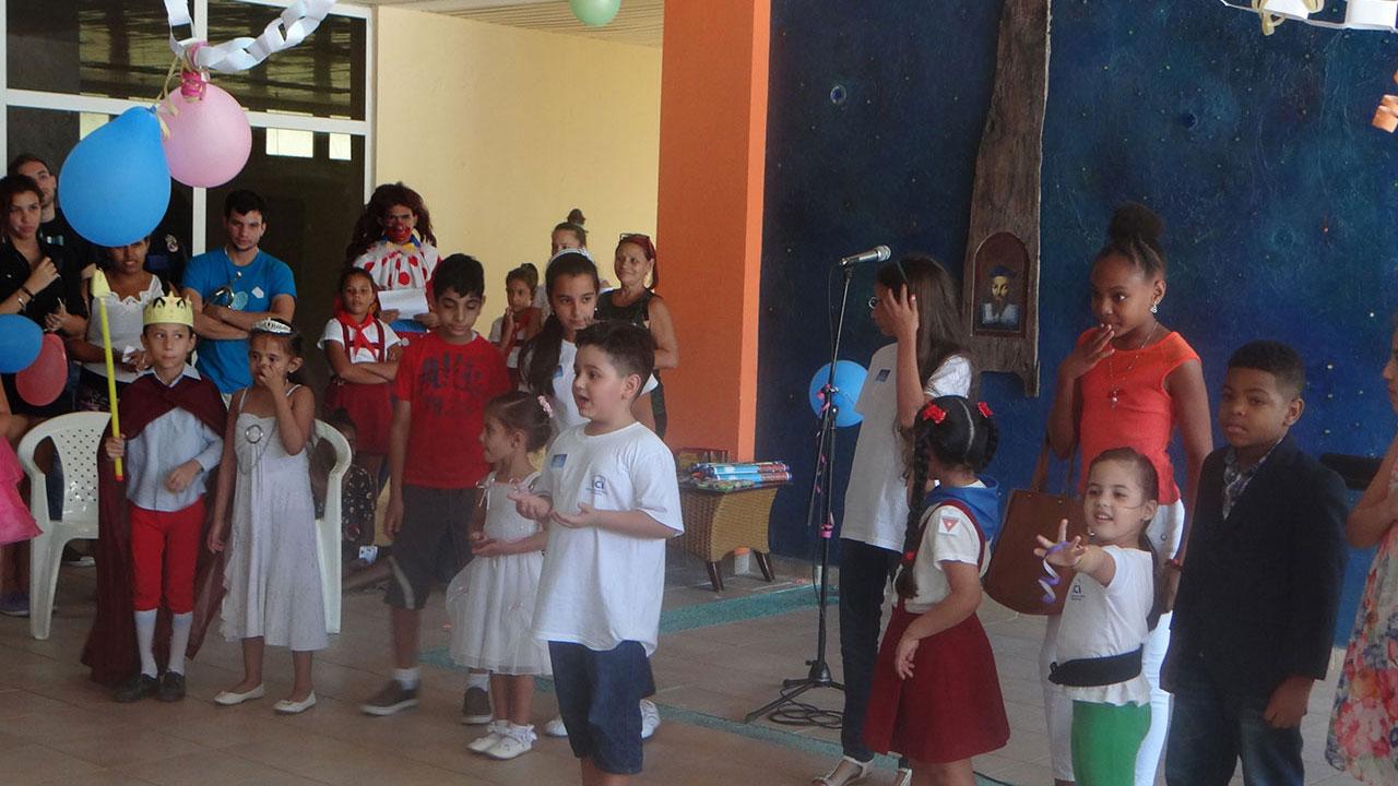 Actividad de la UCI para los niños de la Escuela Especial Solidaridad con Panamá