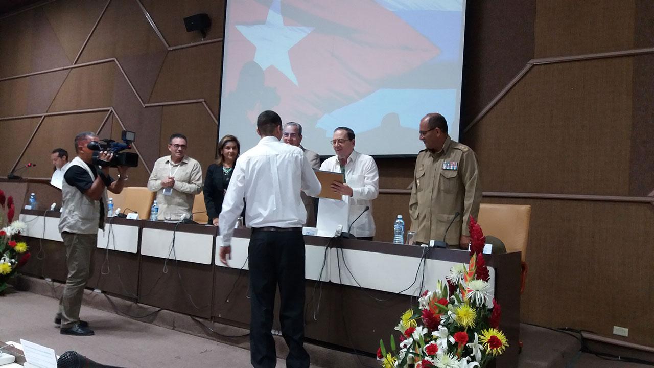 Entrega del Premio Nacional a la Innovación Tecnológica del Citma al Sistema de Gestión Integral de Aduanas Gina