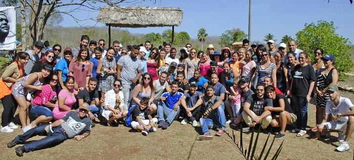 Jóvenes de la UCI y BioCubaFarma visitaron monumentos y museos ubicados en Playa Girón