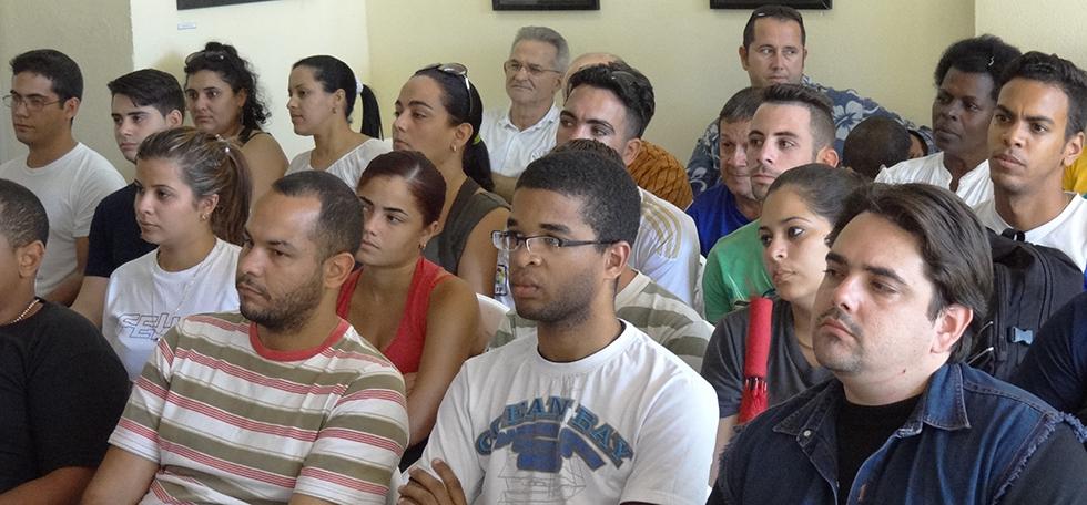 Presentan en la UCI multimedia sobre Martí y Fidel
