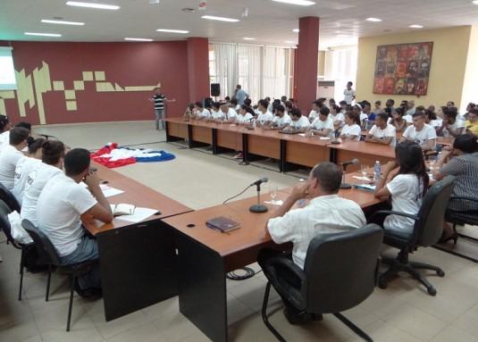 Plenaria de la Asamblea de Balance de la FEU UCI