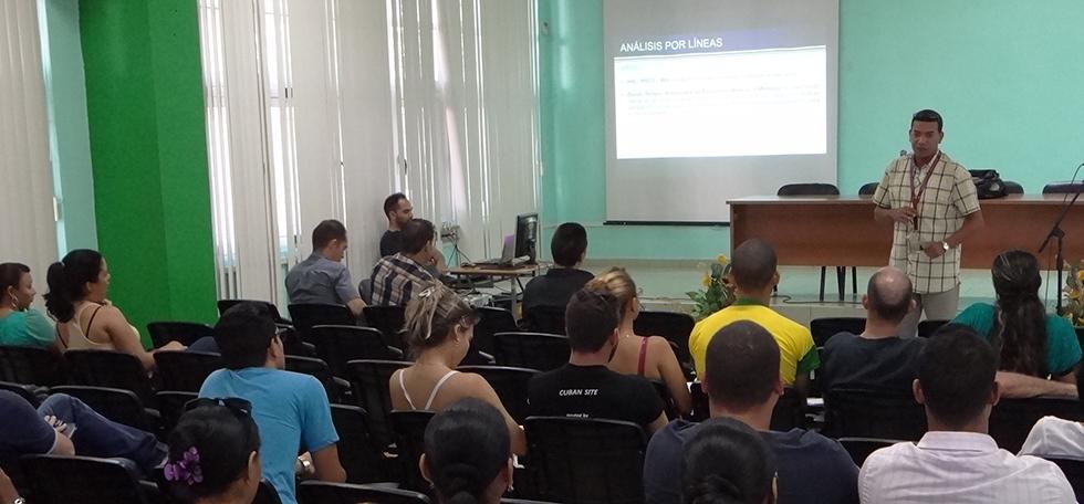 Centros de Desarrollo de Software en la UCI analizaron sus productos y servicios