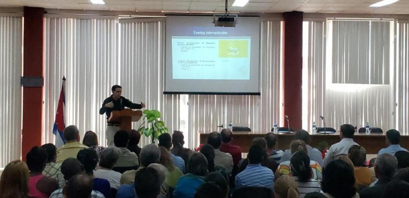 El Dr.C. Raydel Montesino Perurena, vicerrector primero de la UCI, presentó el informe de balance