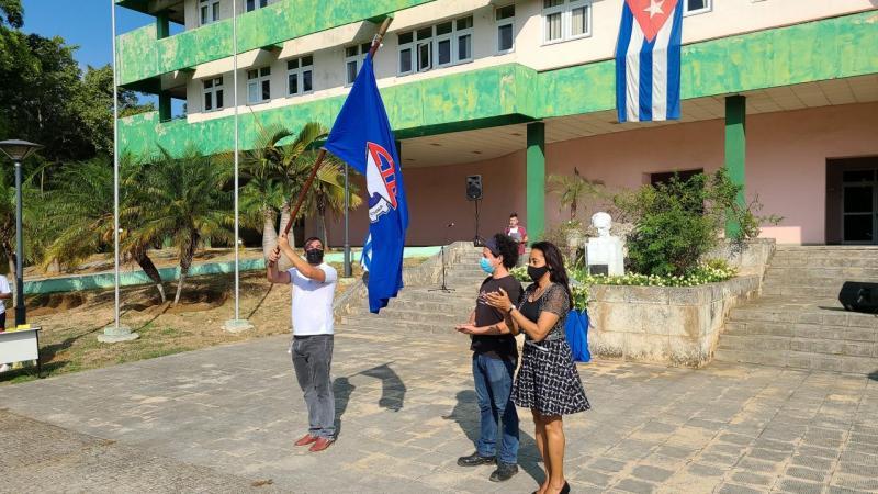 El colectivo del proyecto Z17 recibe la Bandera de Proeza Laboral