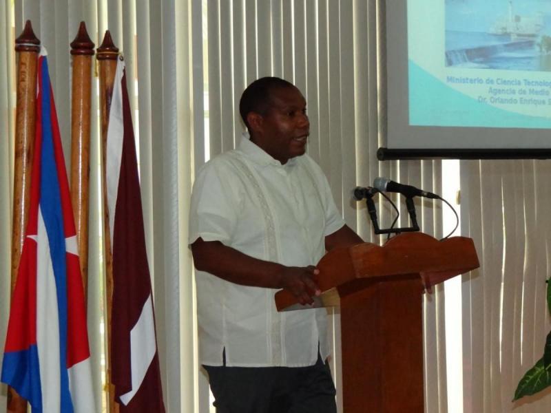 """El programa para festejar el Día Mundial del Medio Ambiente en la UCI incluyó la conferencia titulada """"Visión integradora de la reducción de riesgos de desastres y la adaptación al cambio climático en Cuba"""" impartida por el Dr.C. Orlando Sánchez León."""