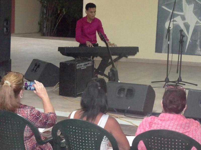 En el transcurso de la velada presentaron sus obras intérpretes habituales en este tipo de certámenes como el pianista José Carlos Meriño Mesa.