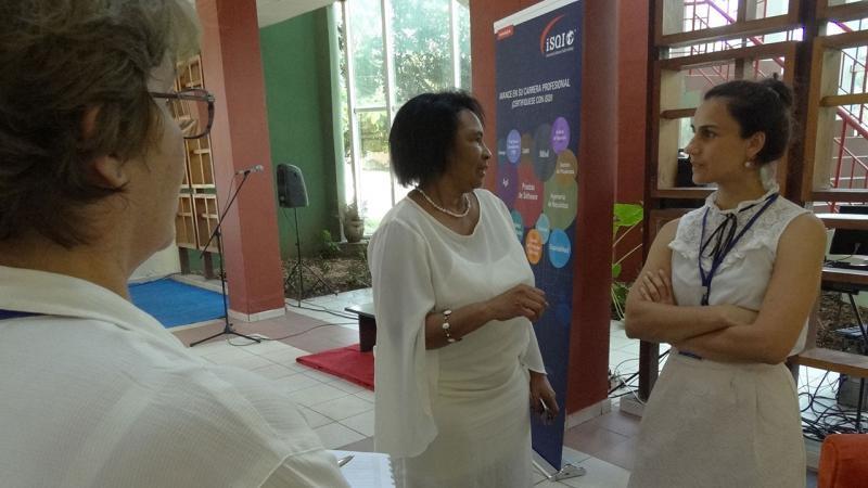 Intercambio de la Dra.C. Miriam Nicado García y Susana Saenz, directiva de ISQI.