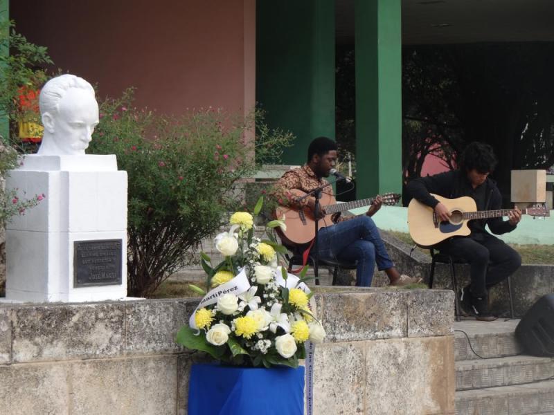 Desde la cultura también se honró a nuestro José Martí.