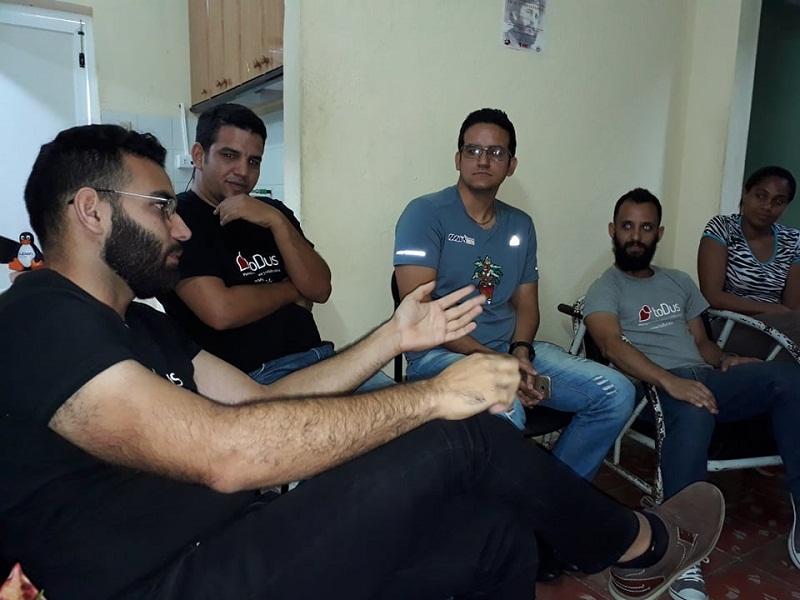 El equipo de toDus está enfocado en que la aplicación sea más estable e incorpore nuevos servicios. Foto: Yoerky Sánchez
