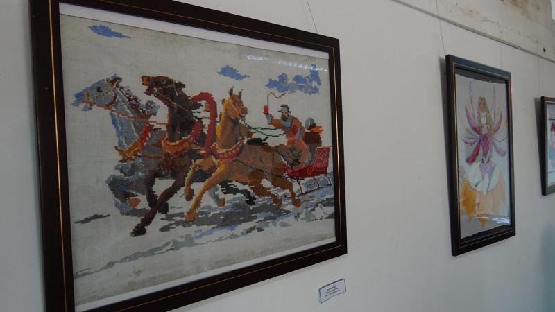 Muestra de obras de arte de la exposición inaugurada.