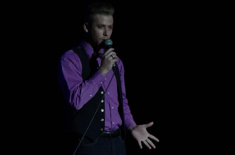 Luis Daniel Castro mereció el premio especial de la Voz de oro masculina.