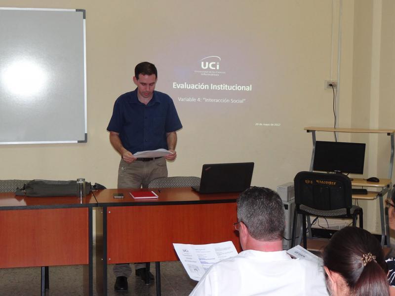 El Dr.C. Raydel Montesino Perurena, vicerrector primero de la UCI, es el coordinador de la Variable 4: Interacción Social.