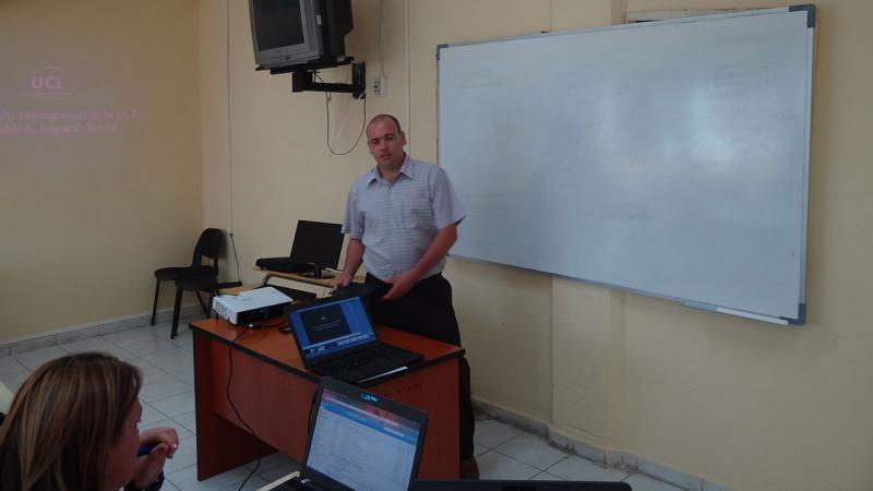 El MS.c Reynaldo Rosado Roselló, vicerrector de Producción, presentó como su coordinador la Variable 6: Impacto Social.