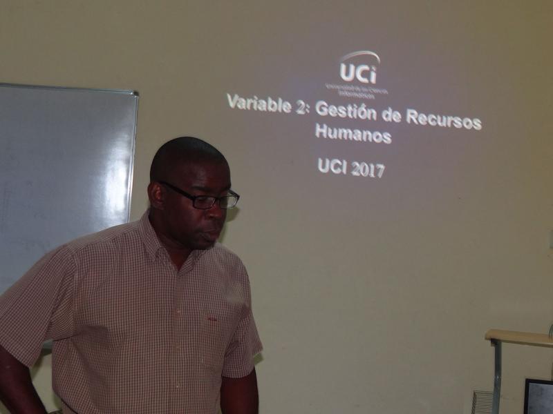 El Ms.C. Silvano Merced Len, vicerrector de Extensión Universitaria y Residencia, presentó la Variable 2: Gestión de los Recursos Humanos.