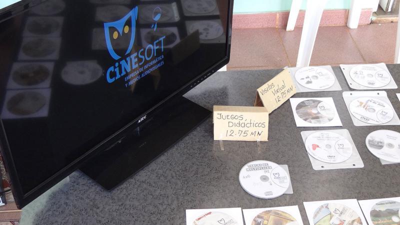 Mesa de Juegos didácticos y visitas virtuales ofertadas por Cinesoft.