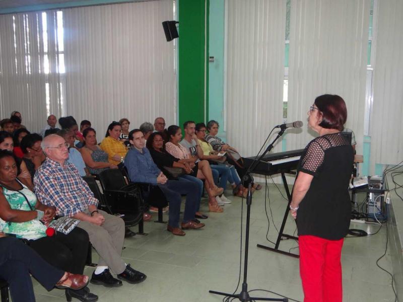 Dra.C. Vivian Estrada Sentí, jefa del Departamento de Grado Científico de la UCI y presidenta del Comité Académico de la Escuela Internacional de Invierno.