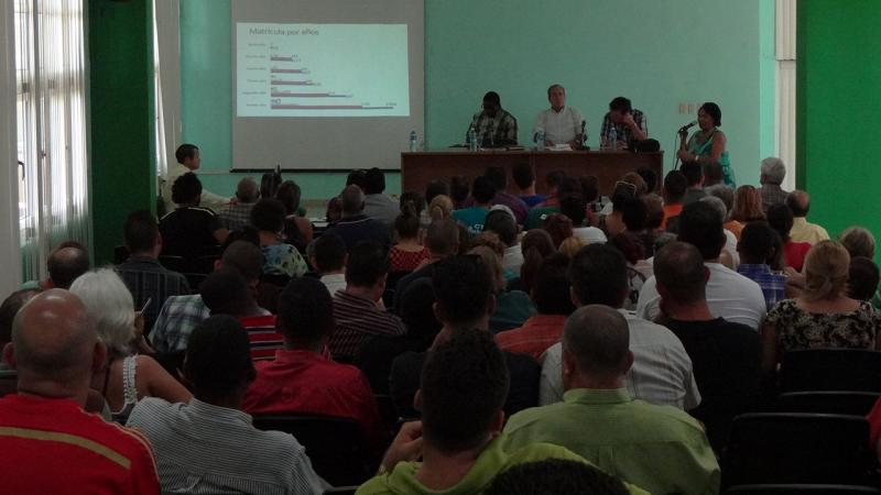 Dr. C. Nicado García commented on the main projections of the University for this stage.