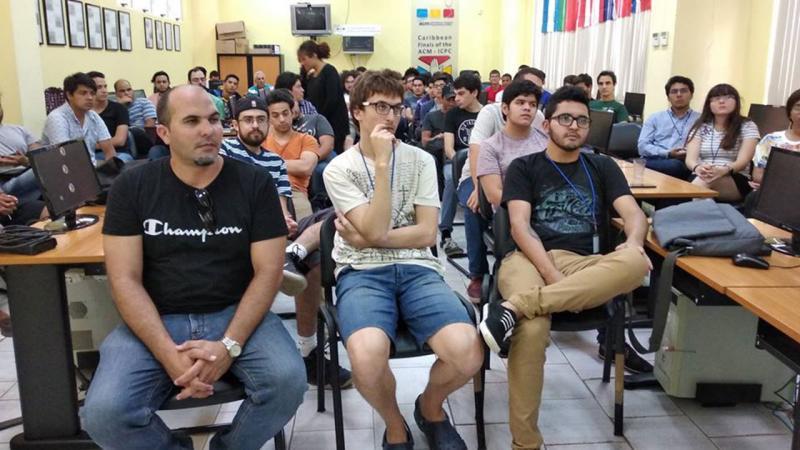En la ceremonia estuvo presente Omar Correa Madrigal, director de Ciencia, Tecnología e Innovación de la UCI.