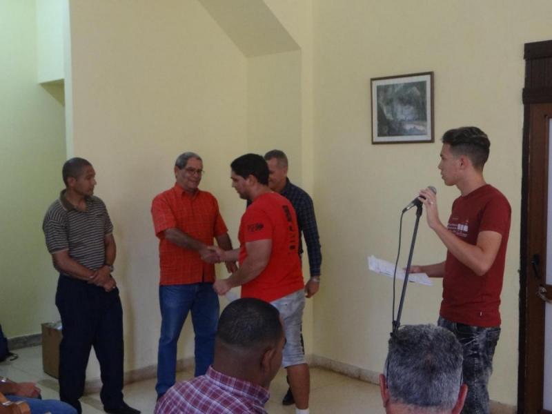 Se relizaron entrega de reconocimientos a los deportistas más destacados en el Torneo.