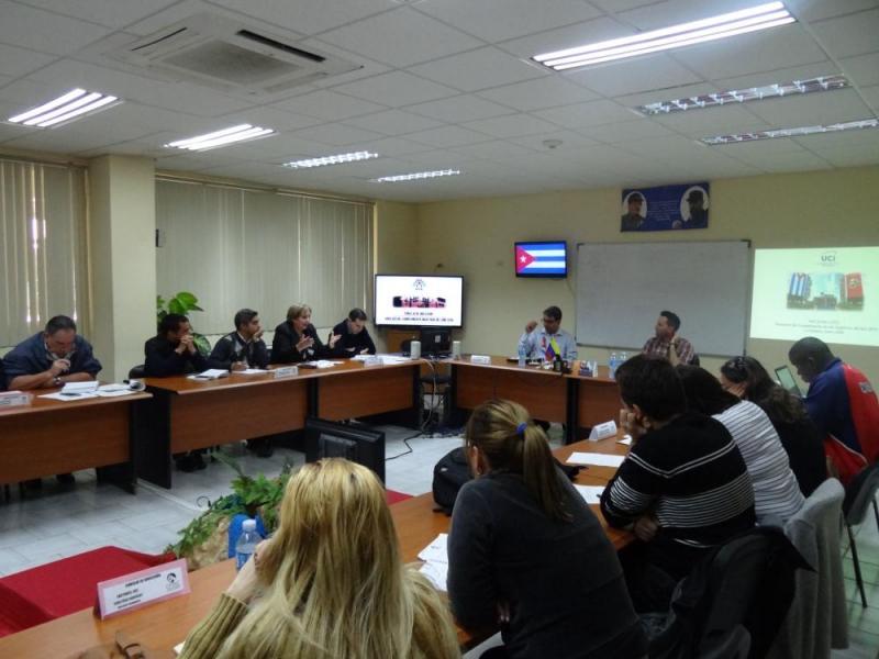Los miembros del Consejo del Universitario emitieron sus criterios acerca de los temas a analizar en la reunión.