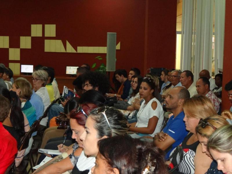 Más de 200 profesionales participan en la IV Conferencia Científica.