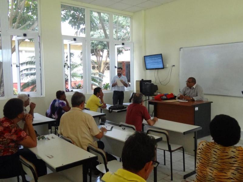 Taller de la IV Conferencia Científica, realizado el 11 de noviembre en el aula 102 del docente Camilo Cienfuegos.
