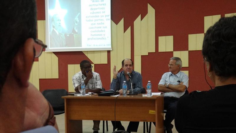 Los panelistas resaltaron a groso modo el pensamiento revolucionario de Fidel, su liderazgo como formador e impulsor consecuente de la conciencia revolucionaria en los cubanos.
