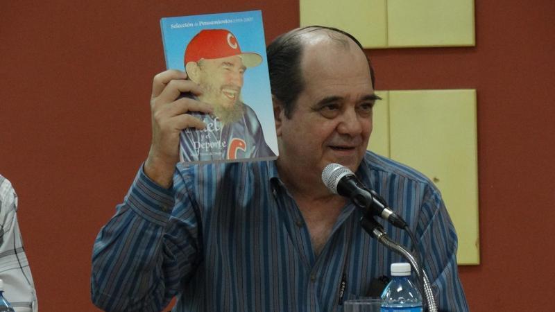 Fidel creó en el pueblo una verdadera cultura deportiva, afirmó el fundador del Inder, Lic. Arnaldo Rivero Fuxá, durante el panel sobre Fidel.
