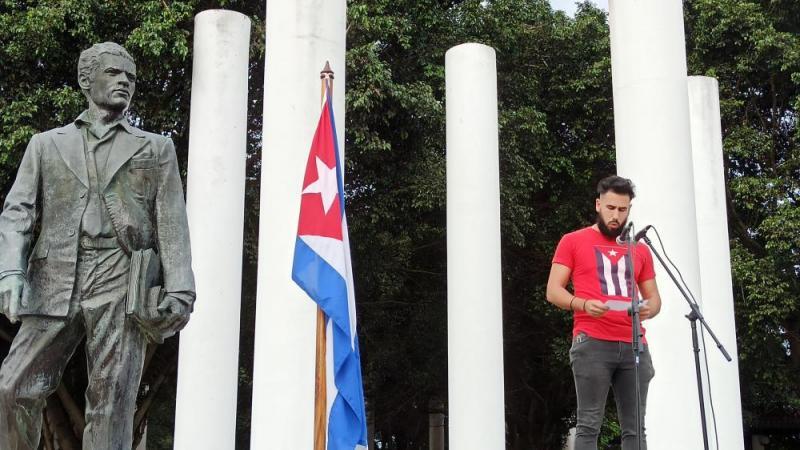 El presidente de la Federación Estudiantil Universitaria (FEU) en funciones, Javier González Vega, expresó que los jóvenes están dispuestos a continuar construyendo la obra de la Revolución.