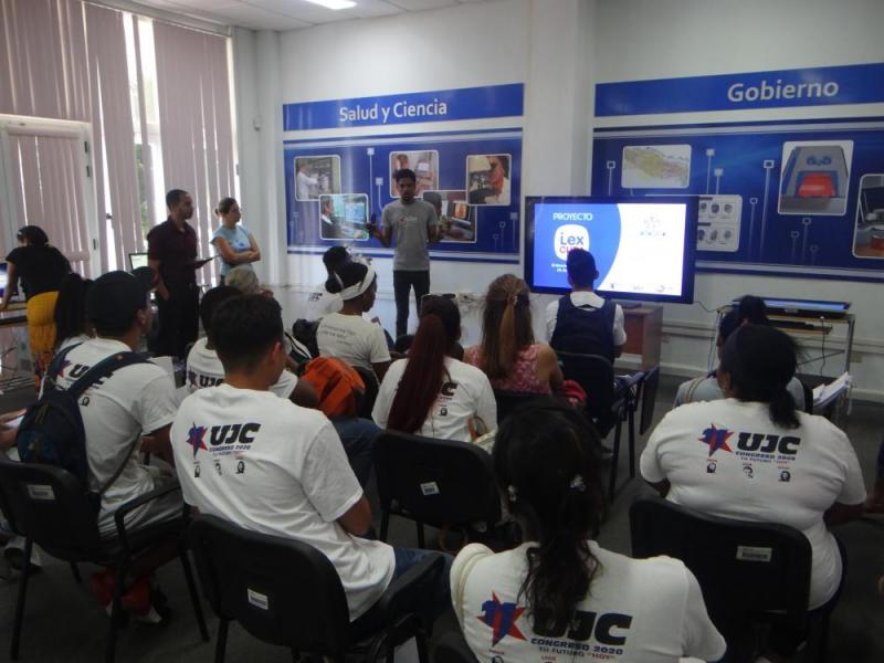 Salón de Exposiciones de Aplicaciones y Sistemas Informáticos.