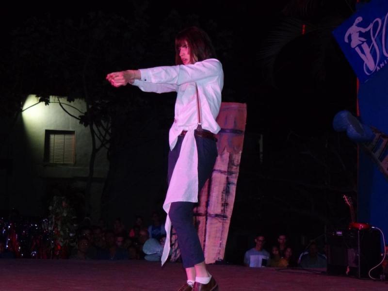 El performance de Sergio Infante Santana fue uno de los momentos memorables de la gala de la Facultad 4.