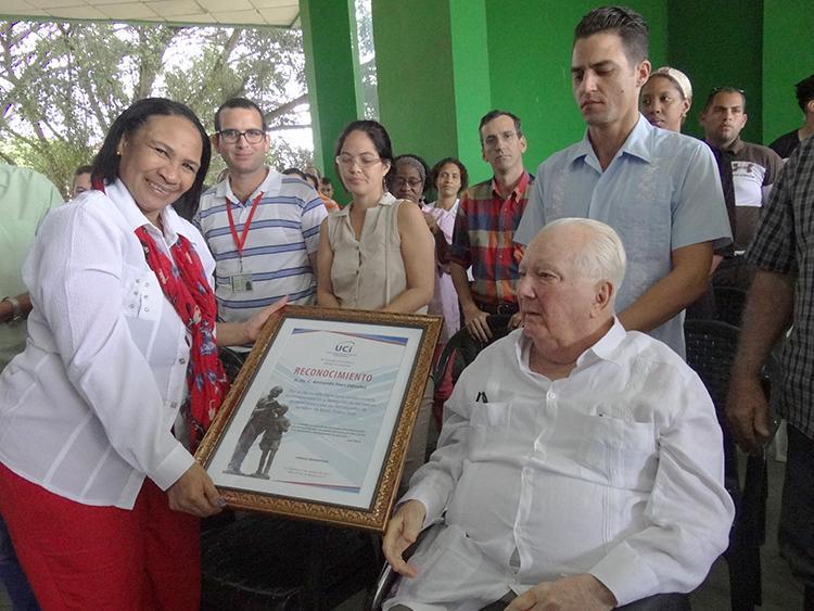 Firman la UCI y la Oficina del Programa Martiano convenio marco de colaboración