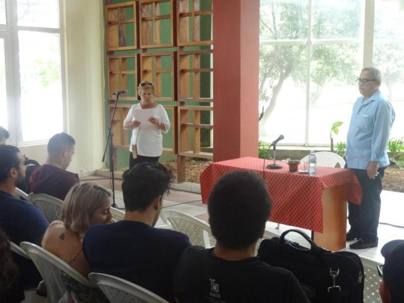 La MSc. María Elina Díaz González ofreció las palabras centrales del encuentro
